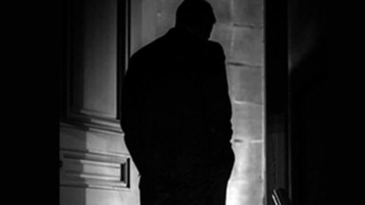shadowy_figure_doorway960x560px-opt_0