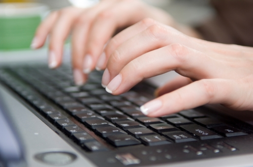 keyboard-with-fingers