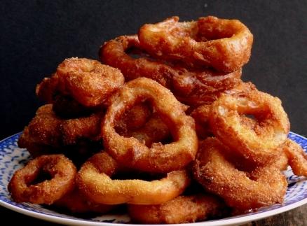 Pancake-Batter-Onion-Rings-with-Wasabi-Garlic-Mayo.