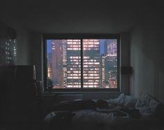 98f90419b7a5b181245cc010c0c4421b--dark-bedrooms-city-lights.jpg